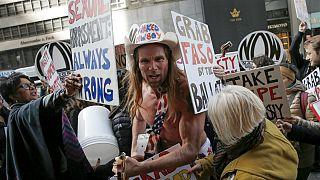 Az utcazenész is politizál New York-ban