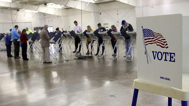 Nem csak elnökválasztást tartanak ma Amerikában