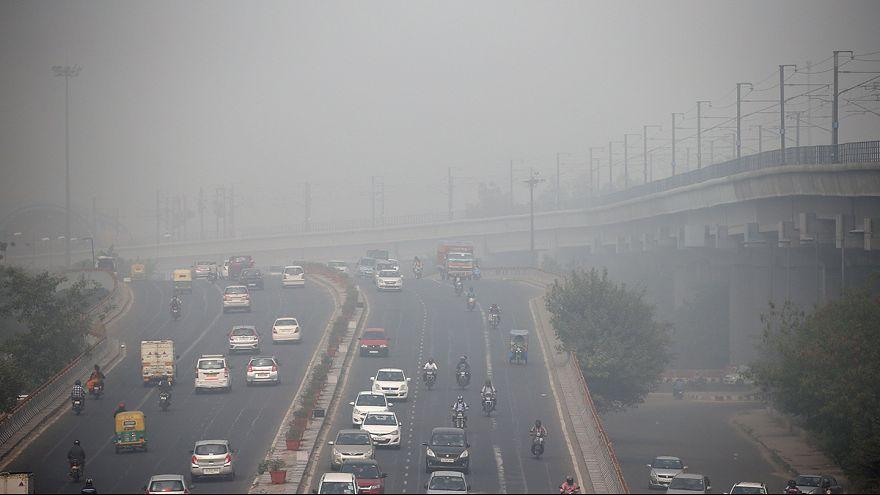 Hindistan'da hava kirliliği yaklaşık 20 yılın en yüksek seviyesine ulaştı