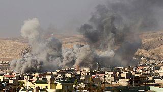 Kurdish Peshmerga fighters advance on Bashiqa