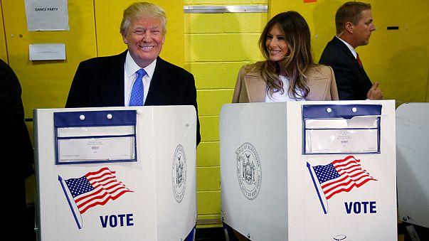 Elezioni Usa: Donald Trump, accolto dai fischi, vota a Manhattan