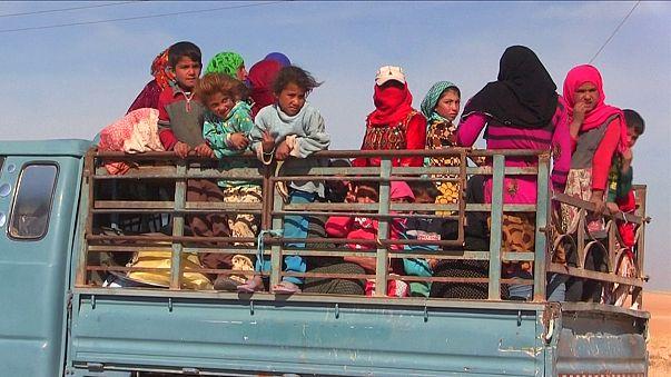 Les civils fuient les combats qui s'approchent de Raqqa