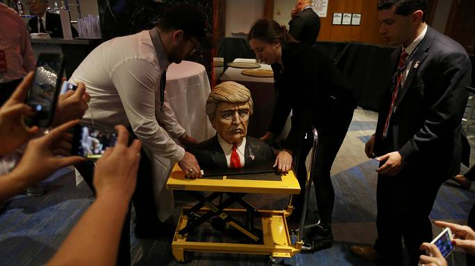 Impressive Trump cake arrives at headquarters