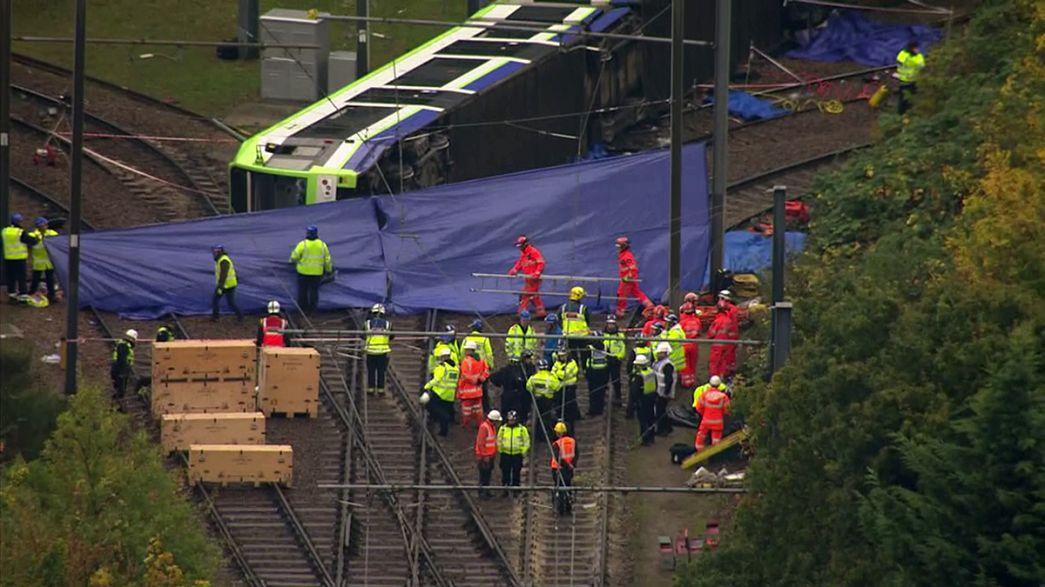 Descarrilamento de tramway em Londres faz cinco mortos
