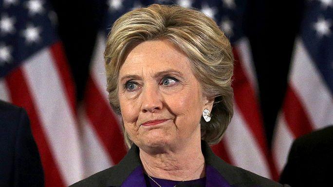"""هيلاري كلينتون تلقي خطاب """"الهزيمة """""""