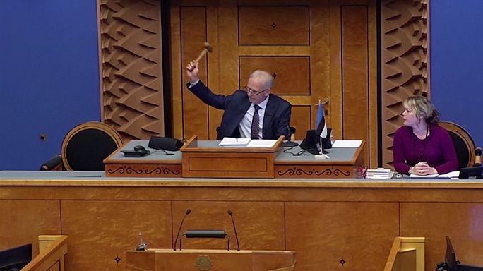 Estonya'da hükümet düştü
