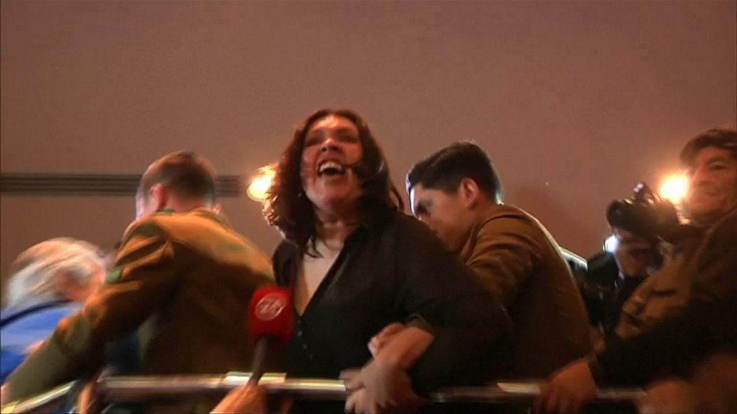 Chile: Funcionários públicos manifestam-se no Congresso