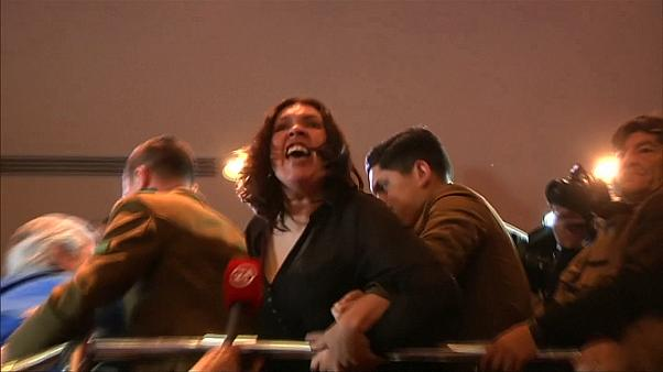 Chile: Demonstranten gewaltsam aus Parlament entfernt