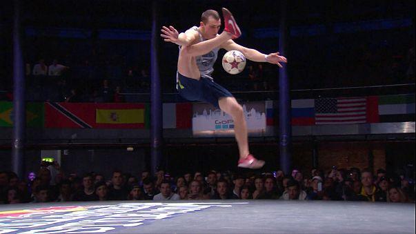 Ballkünstler begeistern bei der Street-Style-WM in London