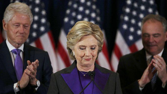 Hillary Clinton, très émue, prononce finalement un discours de défaite