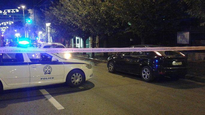 La Policía griega investiga el lanzamiento de una granada contra la embajada Francesa en Atenas