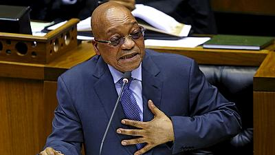 Zuma gets support of fans ahead of no-confidence vote