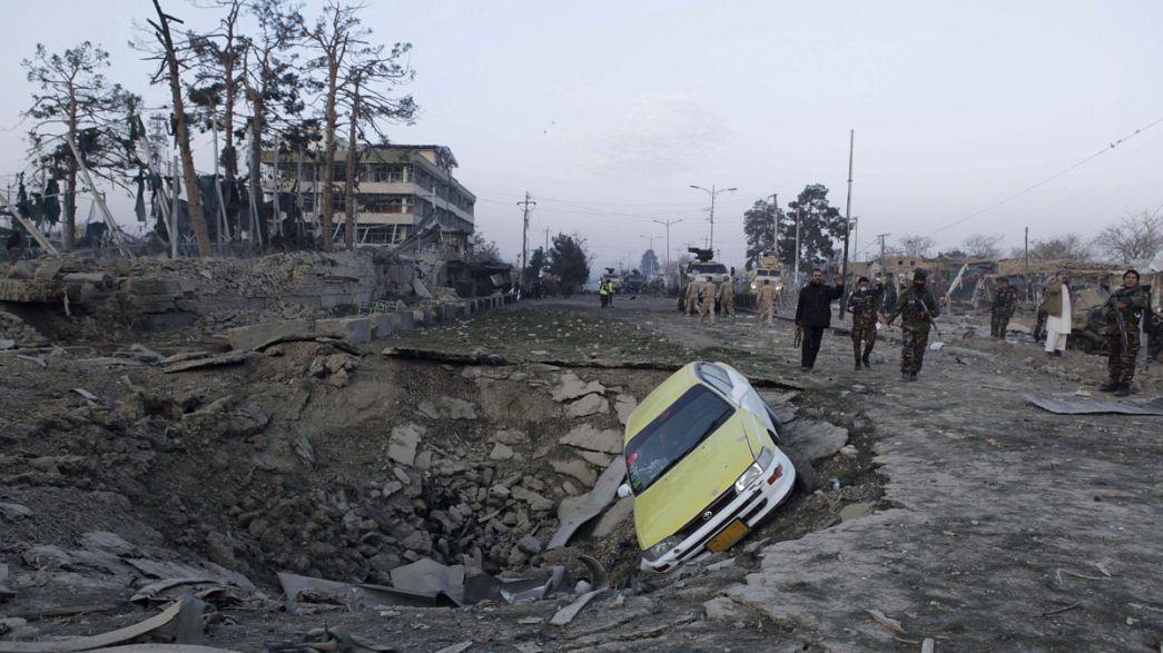 Talibãs reivindicam atentado contra consulado alemão no norte do Afeganistão