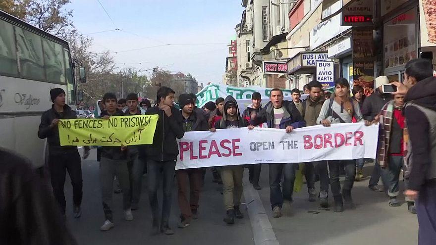In Serbien demonstrieren Migranten für Einlass in die EU