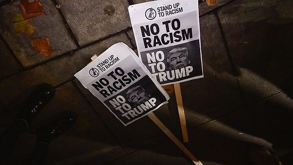 Случаи расистских оскорблений участились в США