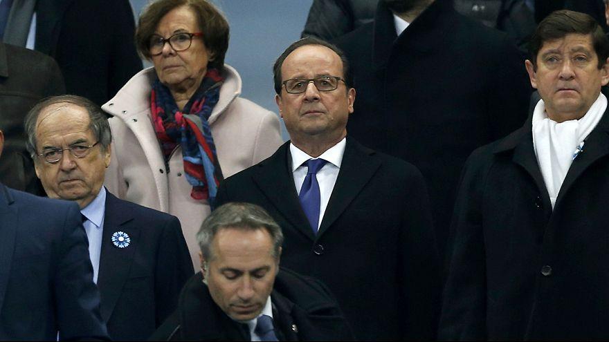 Minute's silence at Stade de France in memory of Paris attacks