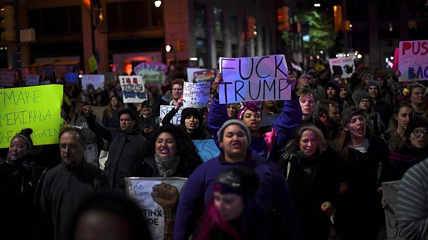 US: Anti-Trump protests run into third night