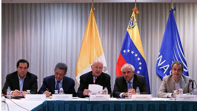 Venezuela retiene el aliento a la espera de los resultados de la reunión entre el Gobierno y la oposición