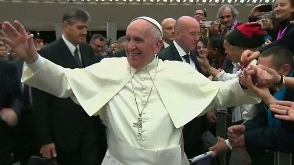 نیایش پاپ همراه با فقرا