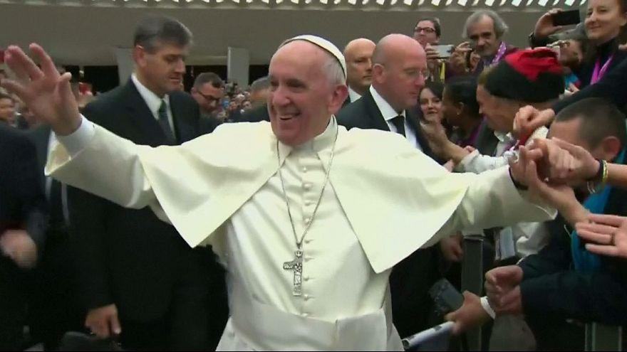 A szegényekkel imádkozott a pápa