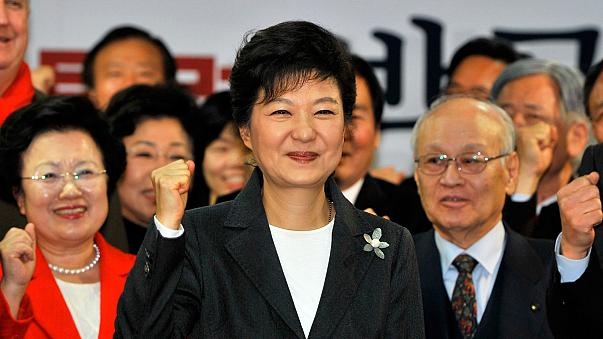 Presidente sul-coreana vai enfrentar ministério público