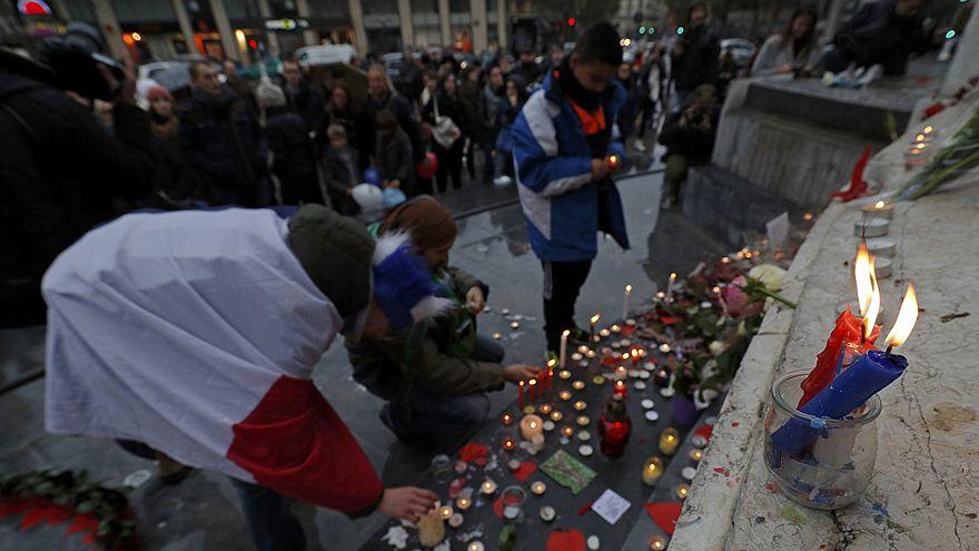 В столице Франции почтили память жертв парижских терактов
