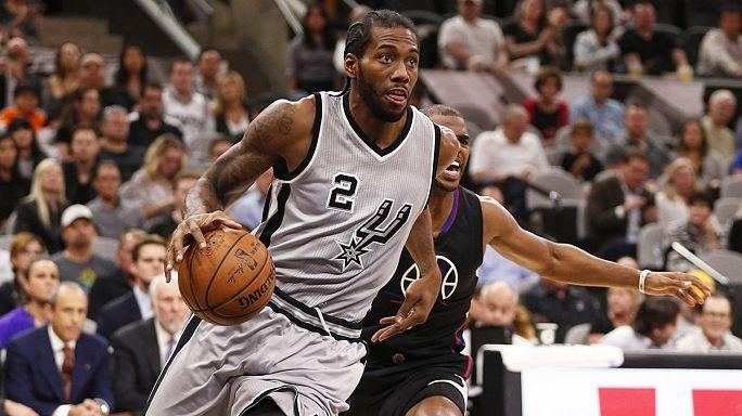 NBA: Spurs vingam-se em Houston