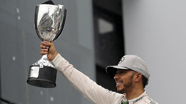Hamilton takes title race to the wire in Brazil as Lorenzo signs off in style
