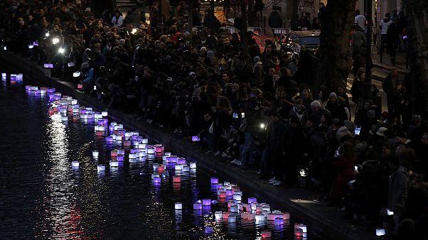 França relembra vítimas dos atentados de Paris
