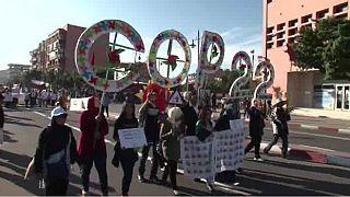 """Une marche à Marrakech pour réclamer plus de """"justice climatique"""" [No Comment]"""