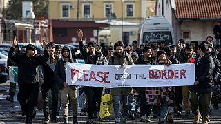 Граница на замке: мигранты напрасно шли 3 дня из Белграда в Хорватию