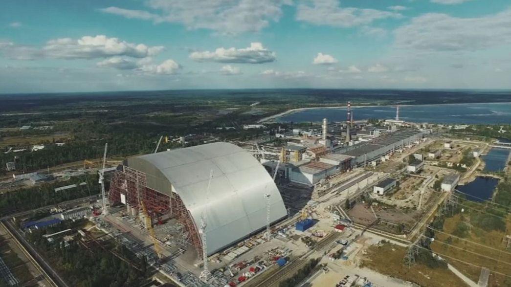 Una bóveda gigante de acero cubrirá el reactor de Chernóbil