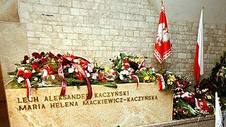 Tragedia aerea di Smolensk: la Polonia riesuma i cadaveri delle vittime