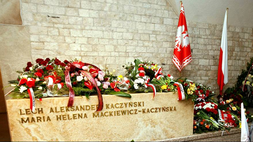 Exhumálták Lech Kaczynski volt lengyel elnököt