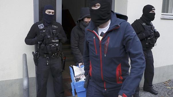Großrazzia gegen Koran-Verteilaktion in zehn deutschen Bundesländern