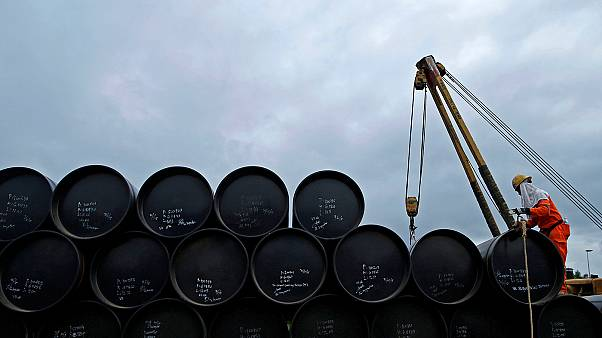 Oil bounces back on OPEC deal hopes