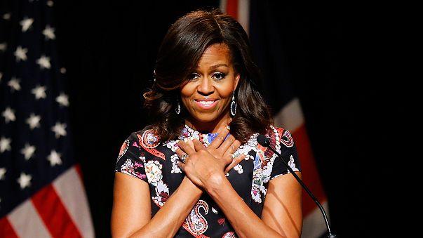 """Ruedan cabezas por llamar """"mono con tacones"""" a Michelle Obama en Facebook"""