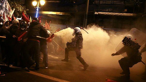 احتجاجات في أثينا ضد السياسة الأمريكية تزامنا مع زيارة أوباما