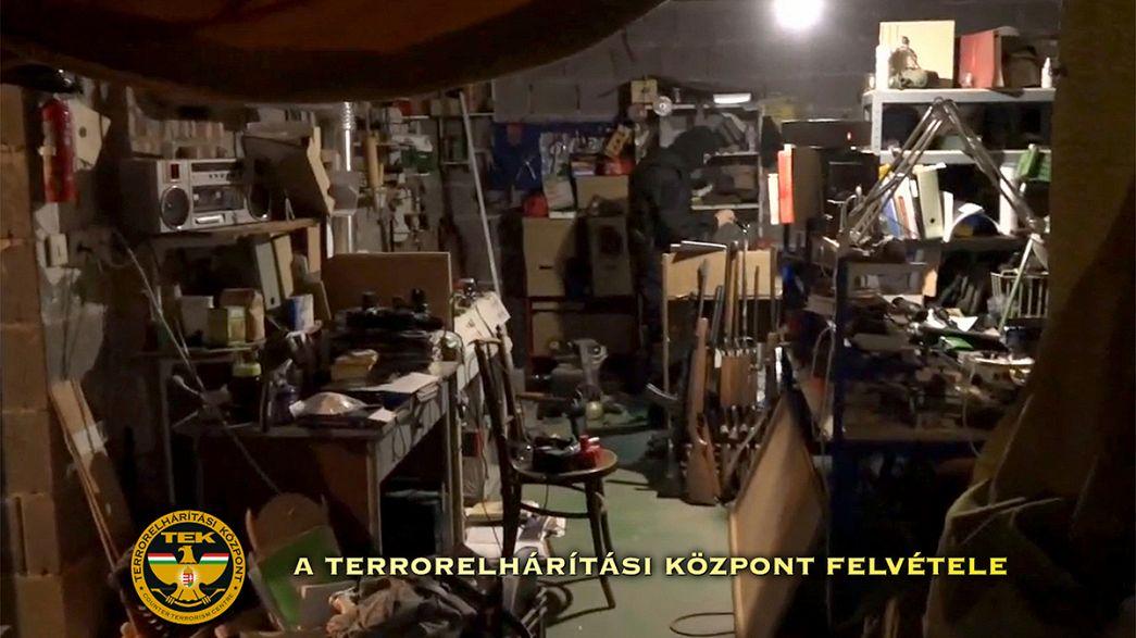 Полиция Венгрия провела рейды против неонацистов
