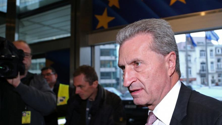Per l'eurodeputato Jávor, Oettinger dovrebbe dimettersi