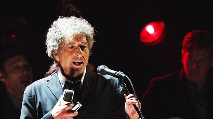 "Bob Dylan ausente da gala dos prémios Nobel devido a ""outros compromissos"""
