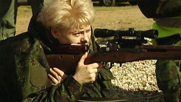 Lituânia vendeu a particulares fuzis doados pelos Estados Unidos