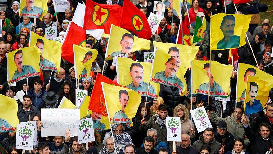 По Брюсселю прошли противники президента Турции Эрдогана