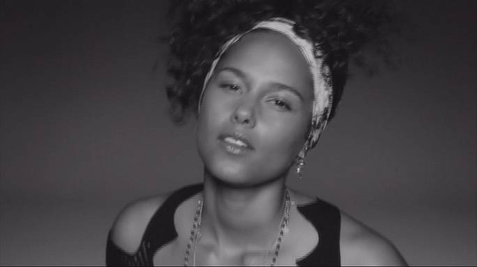"Alicia Keys : ""Here"" l'album de la maturité"