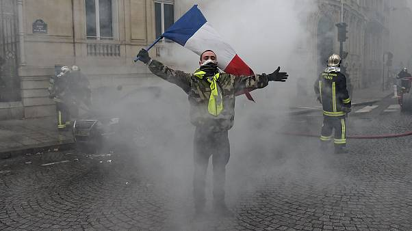 Image: Yellow Jacket protester in France