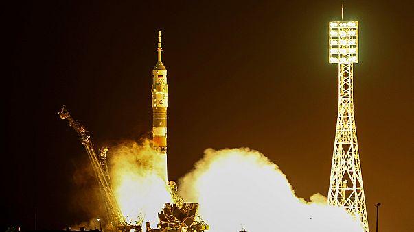 Soyuz a caminho da ISS com uma mulher especial a bordo