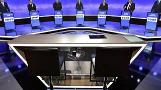 Primaire de la droite : François Fillon réduit son écart