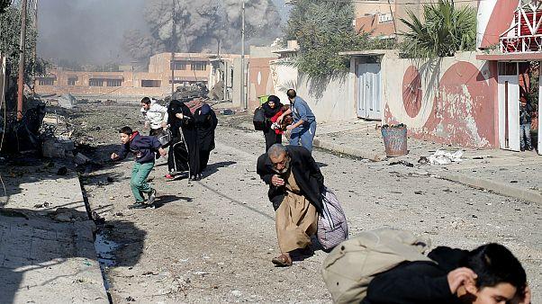 Légicsapásokkal folytatódik Moszul ostroma