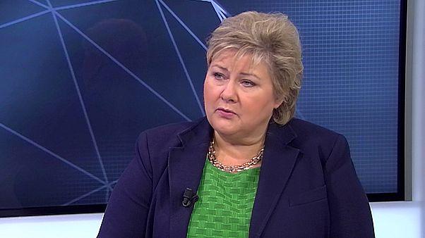"""Erna Solberg, PM da Noruega: """"Quem recebe (o nosso) asilo, tem de viver pelas normas da Noruega."""""""
