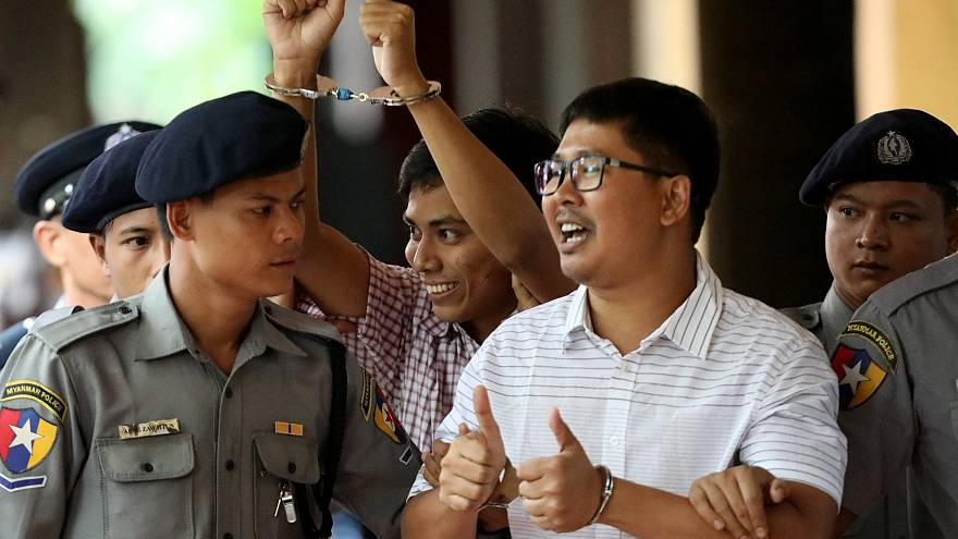 Image: Detained Reuters journalist Wa Lone and Kyaw Soe Oo arrive at Insein